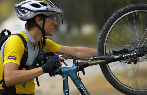ciclista con bici