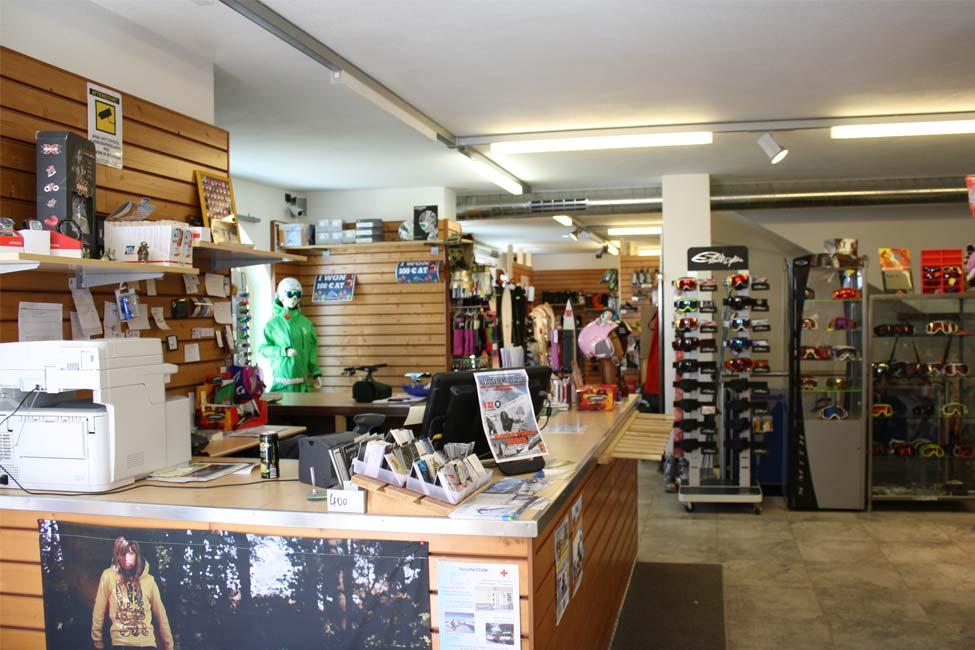 Vista del negozio interno di Defox a Livigno